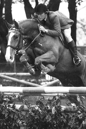 Eddie Macken and Carroll's Royal Lion by King of Diamonds
